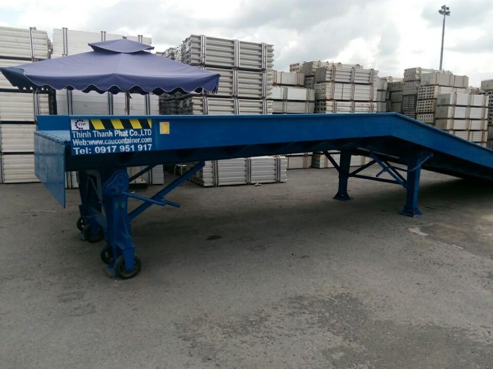 xe-nang-len-container