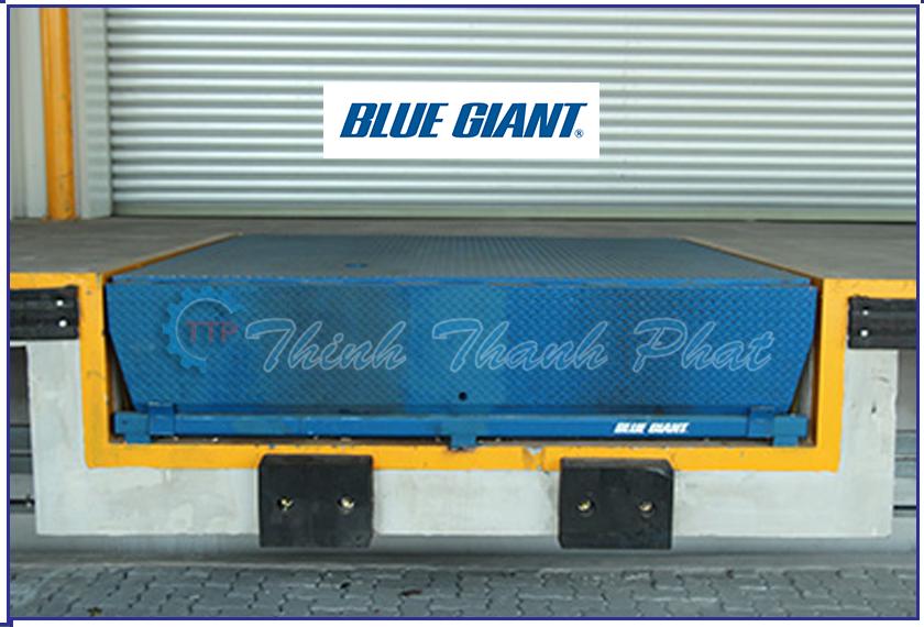 San_nang_dock_leveler_mhe_blue_giant