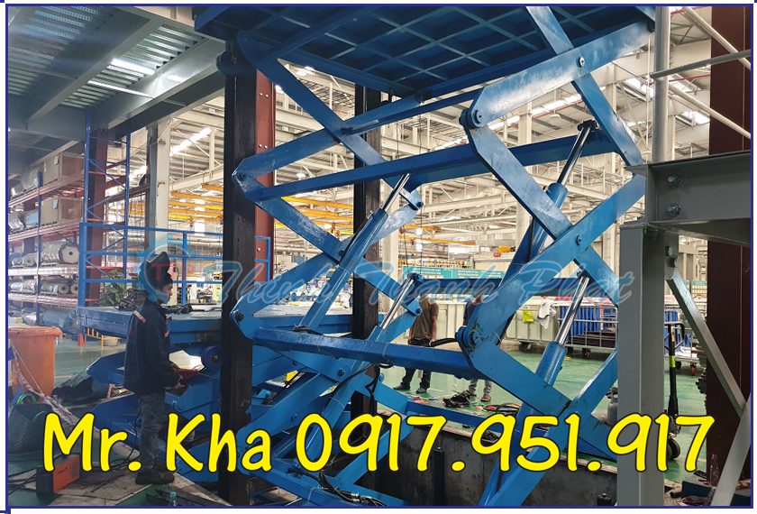Thang nang thuy luc cargo scissor lift 01