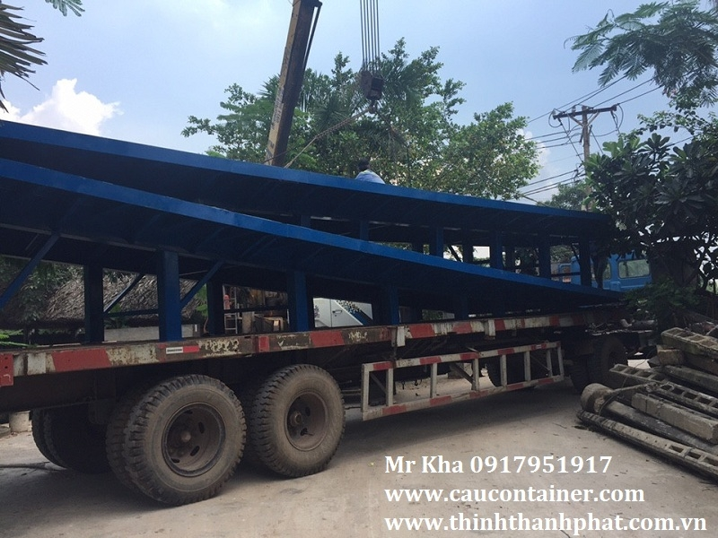 Cầu container- Cầu lên container