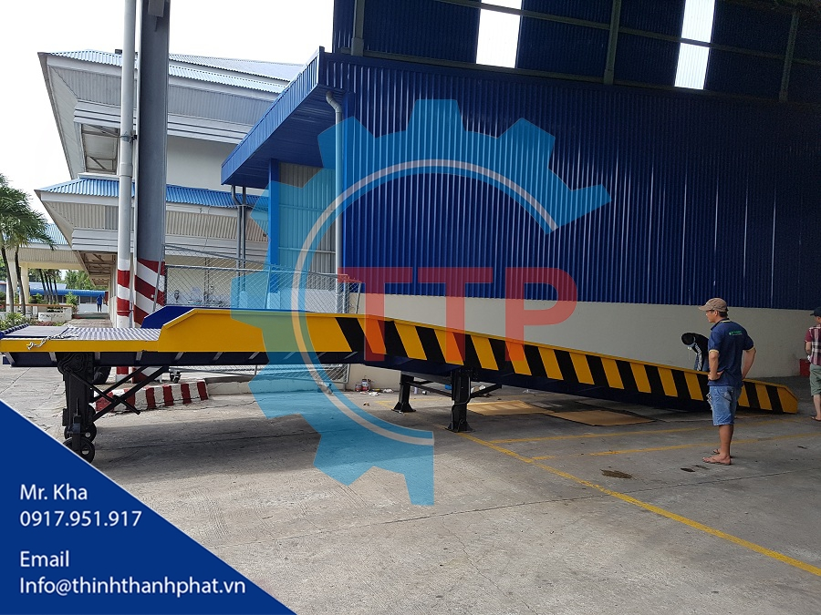 Cầu dẫn lên Container lưới thép Grating
