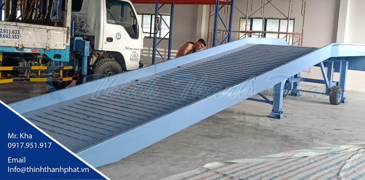 Cầu xe nâng hàng - Thịnh Thành Phát