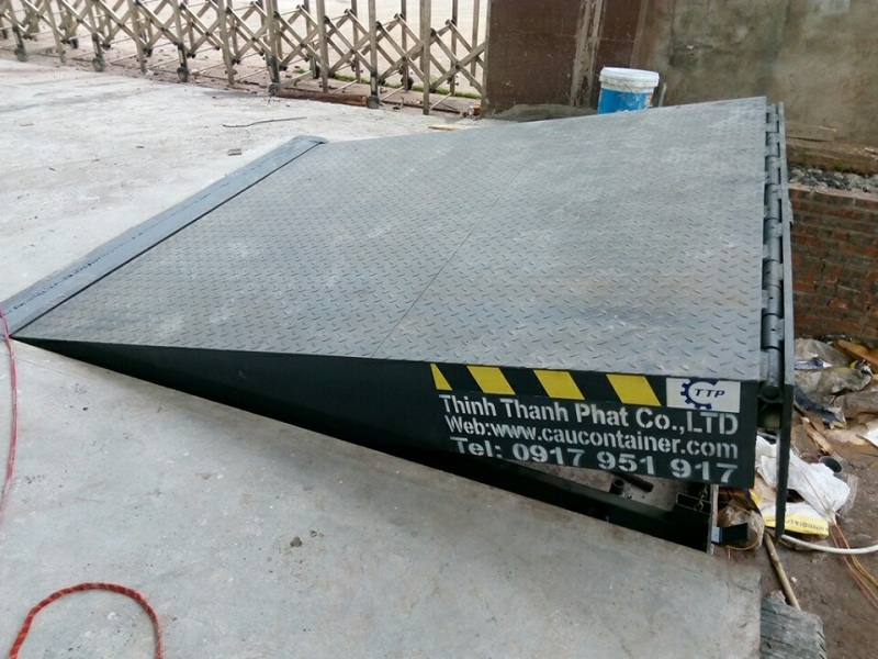 Hydraulic dock leveler - Sàn Kho Thủy Lực