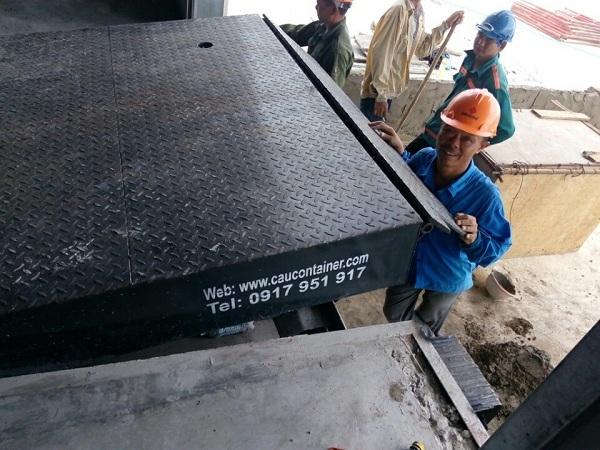 Sàn nâng container cơ khí
